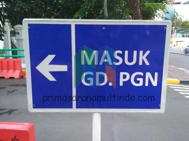 Rambu Parkir (Directional Parking Sign)