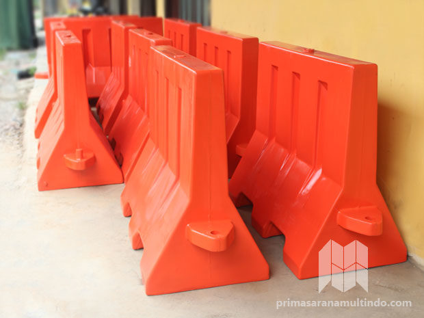 Road Barrier Isi Air – Bahan Fiber