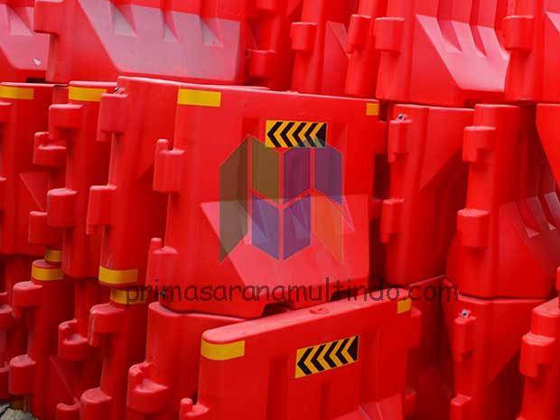 Separator Jalan Plastik | Pembatas Jalan Plastik